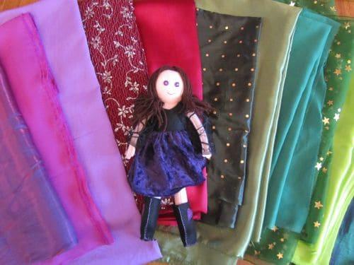 RaggedyAnnie and fabric 015