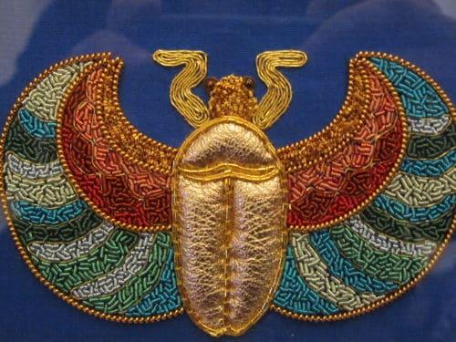 Goldwork scarab, hooked bag 003