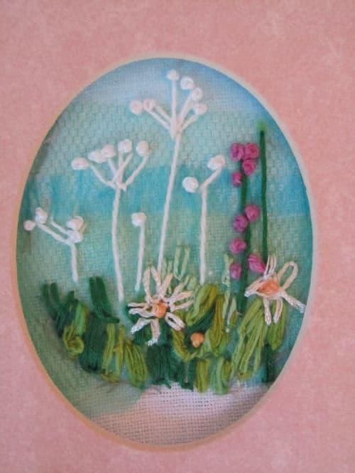 Tom's medal, Hardwick Hall, hand emb., 3D hooked flowers 008