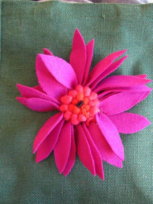 Tom's medal, Hardwick Hall, hand emb., 3D hooked flowers 015