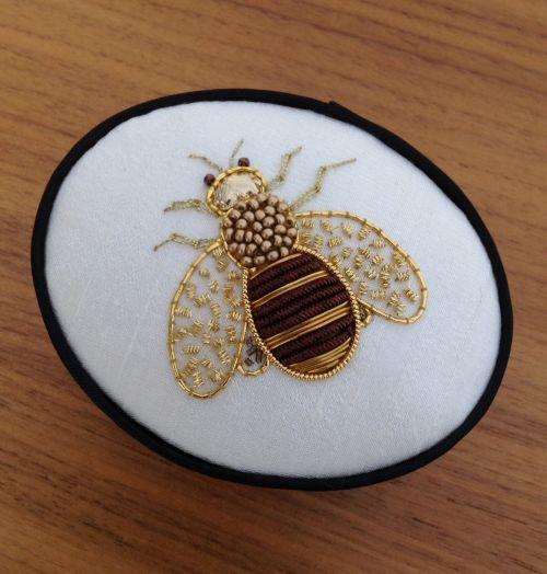 sue's goldwork bee