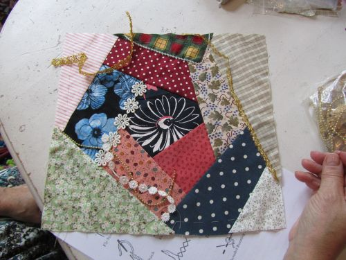 needlecase,pincushion,crazy patchwork 010