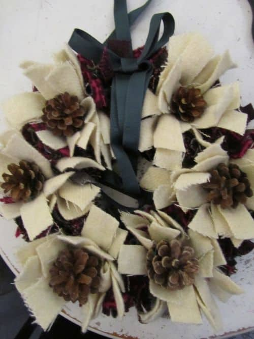 Xmas wreaths,Ruth's stumpwork and Penny rugs,Dorset buttons 009