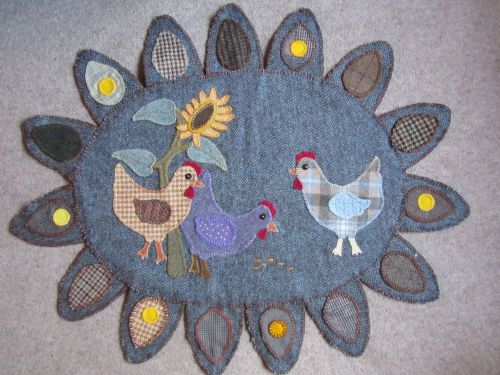 Xmas wreaths,Ruth's stumpwork and Penny rugs,Dorset buttons 012