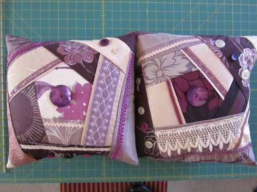 Beckie's cushions,Zendoodlestitch,wool applique 003
