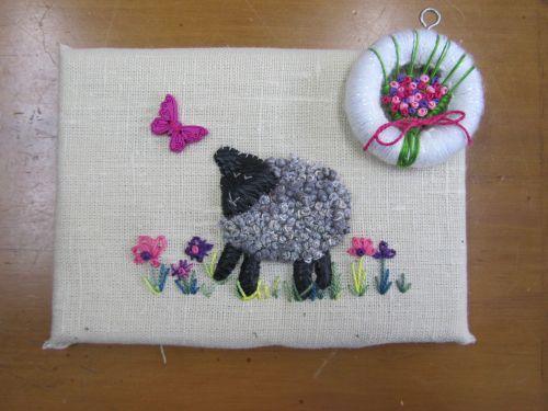 Beckie's cushions,Zendoodlestitch,wool applique 006