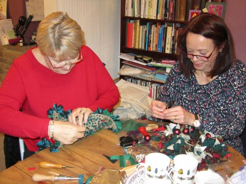 courses here,xmas stockings,r r wreaths,Guides,K&S RSN 012