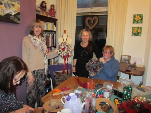 courses here,xmas stockings,r r wreaths,Guides,K&S RSN 014