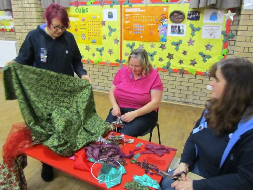 courses here,xmas stockings,r r wreaths,Guides,K&S RSN 017