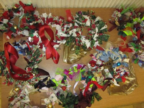 s'wk holly,teddy,book covers,xmas decs,Guides,silk sh and g'wk 024